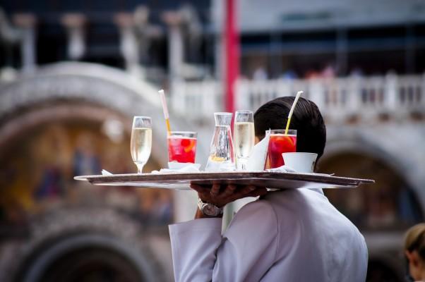 Sechs goldene Serviceregeln in der Gastronomie -